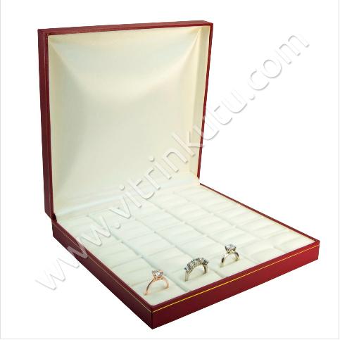 - Çoklu Yüzük Kutusu 25 Bölmeli 19x19.5 cm Kırmızı Kartier