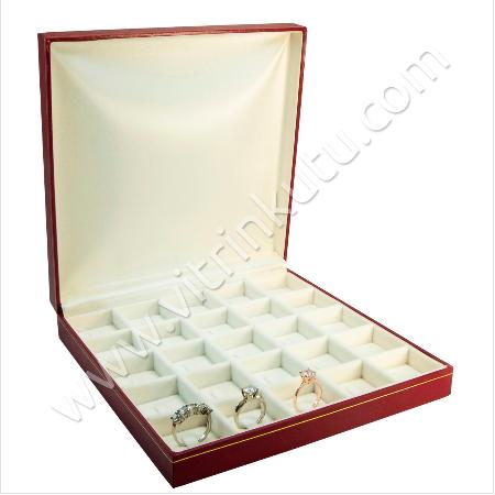 - Çoklu Yüzük Kutusu 25 Bölmeli 19x19.5 cm Tırnaklı Kartier