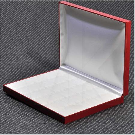 - Çoklu Yüzük Kutusu 30 Bölmeli Kartier 24x19 cm Kırmızı