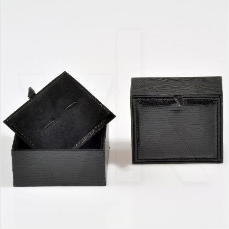 - Deri Kol Düğmesi Kutusu 8x7 cm Siyah Bağımsız Kapaklı