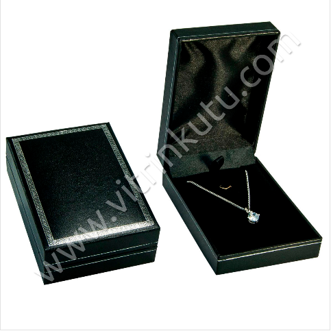 - Deri Kolye Kutusu 7x9 cm Kartier Siyah