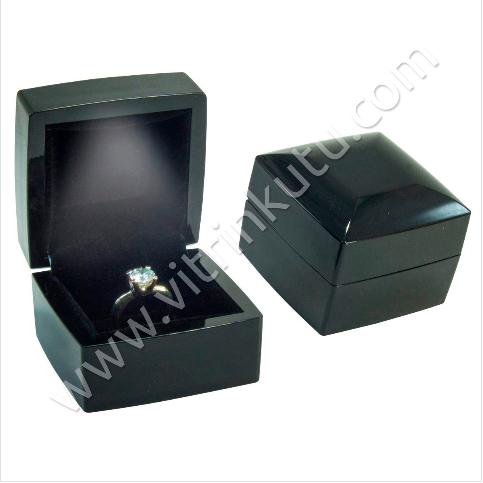 - Işıklı Tırnaklı Yüzük Kutusu Ahşap 6x6 cm Siyah