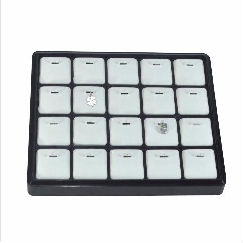- Kolye Ucu Tablası 22x18 cm Siyah Beyaz