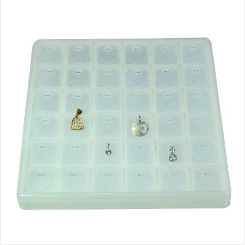 - Kolye Ucu Tablası 25x25 cm Plastik Beyaz