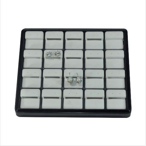 - Küpe Takı Tablası 22x18 cm Plastik Siyah Beyaz