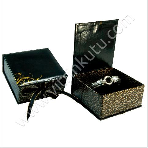 - Kurdeleli Bilezik Kelepçe Kutusu 10x10 cm Karton Siyah