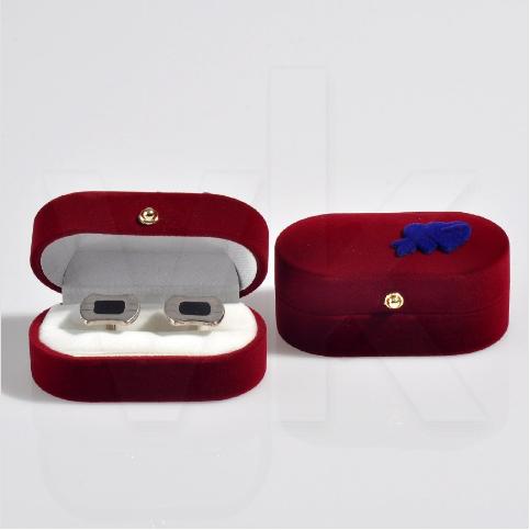 - Oval Kol Düğmesi Kutusu 7.5x4 cm Kalp Süslü Flok