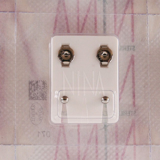- Steril Kulak Delme Küpesi 12 Çift Nina Beyaza Beyaz Top Mini