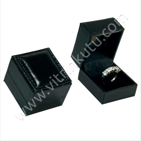 - Tırnaklı Yüzük Kutusu Deri Rugan 4.5x5 cm Siyah